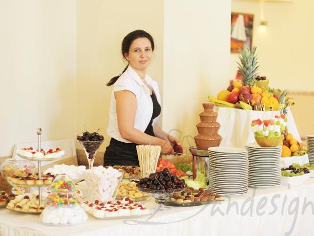 Masa dulciuri si fructe